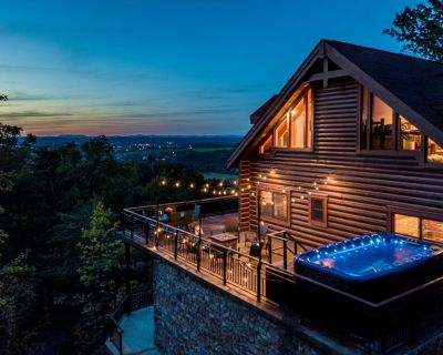 Gorgeous 21 acre Private Gated Estate, Mega Views, Private Pool, Theater, Driver Arcades, Buck Hunte - Pigeon Forge