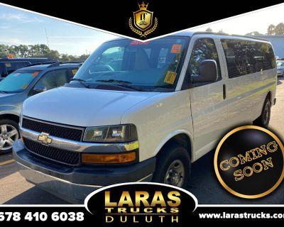 "2017 Chevrolet Express Passenger RWD 3500 155"" LT w/1LT"
