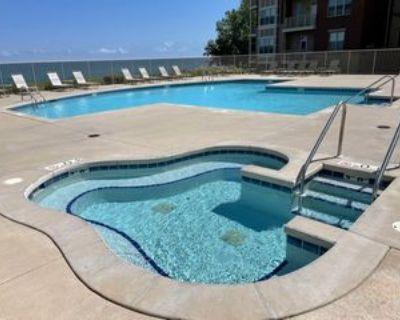 4100 South Lake Drive #236, Saint Francis, WI 53235 1 Bedroom Condo