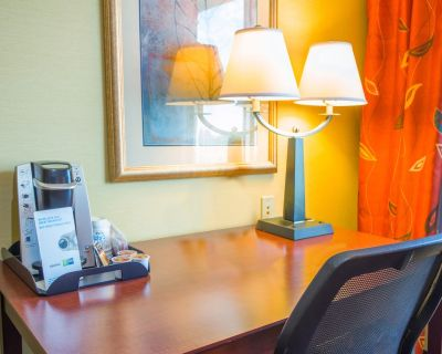 Holiday Inn Express & Suites Richland, an IHG Hotel - South Richland