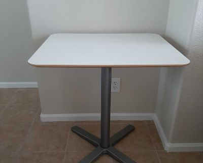 Small Dining Table/Game Table