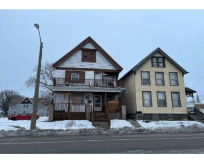 6 Bed 2 Bath Preforeclosure Property in Milwaukee, WI 53206 - W Center St