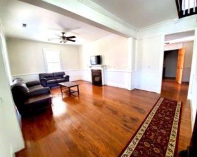 526 Monroe Street, Madisonville, TN 37354 Room