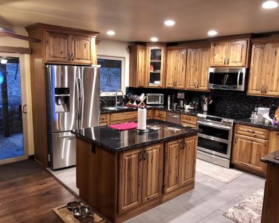 Eagles Nest - Clean, Custom, Quiet, Comfortable and Awesome - Come see - Pollock Pines