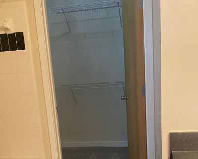 Private room with own bathroom - Atlanta , GA 30307