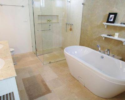 Hoffman Estates Bathtub Refinishing Co.