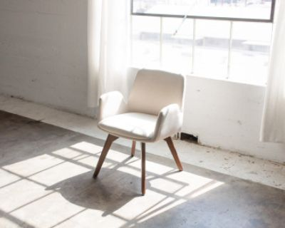 Large Downtown LA Creative Studio with Natural Light and High Ceilings w/AC, Los Angeles, CA