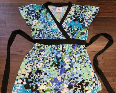 Size Small maternity top