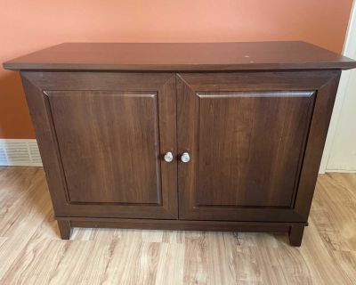 Media stand cabinet