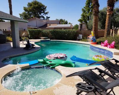 Family Fun getaway Pool/Hot tub/Foosball/Pool table - Mesa