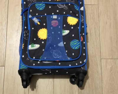 Very Nice Boy s Space Suitcase - Zippers & Wheels Work Great! 7 1/2 wide by 13 long by 22 tall