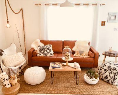 White Cactus House - Bohemian Luxe Desert Bungalow, Joshua Tree, CA