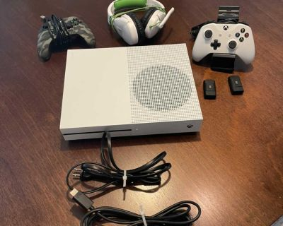 Xbox one s console 1tb - with all cables, Wired And Wireless Controller, 2 batteries, Recharge Stand, and TurtleBeach Headphones.