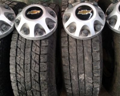 Set of Chevy 2017 wheels and tires 245-75-17 and 10 ply good