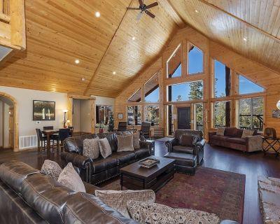 Golden Oak Estate: Luxury Log Home in Castle Glen! Walk to the Lake! Beautiful Mountain Views! - Castle Glen Estates