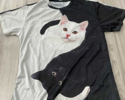 Light weight new without tags cat tee