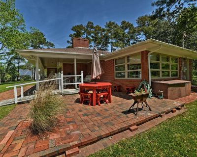 1950s-Style House w/ Dock & Patio on Newport River - Carteret County