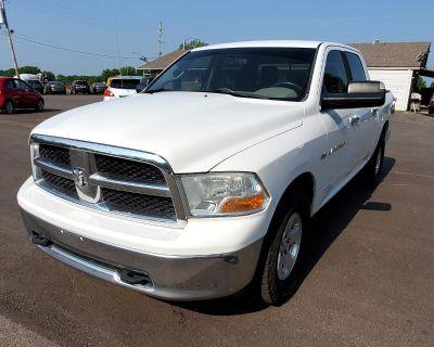 """2011 Dodge 1500 4WD Crew Cab 140.5"""" SLT"""