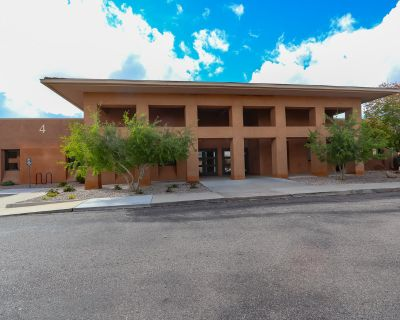 Executive Suites Quattro Center NE Heights