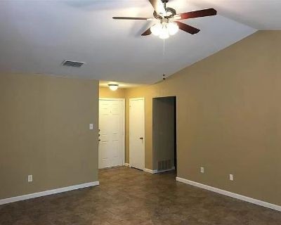 $500 per month room to rent in Euless available from September 23, 2021