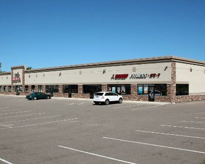 Retail/Office/Medical space for lease - Established retail center - High Visibility