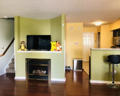 $600 bedroom: private bathroom and walk-in-closet