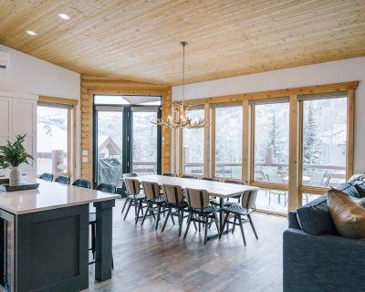 Top Designer s home! AC, heated outdoor lounge area & TV, fire pits, true luxury - Deer Valley