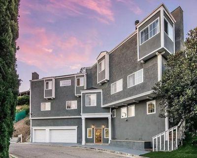 Stunning 4,000+ sqft Multi-Level 5 Bed / 5 Bath Home - Amazing Location & Price! - Woodland Hills