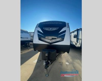 2021 Cruiser Radiance Ultra Lite 32BH