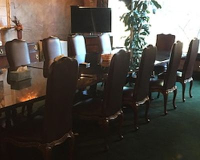 Private Meeting Room for 16 at Muhr Professional Buildings