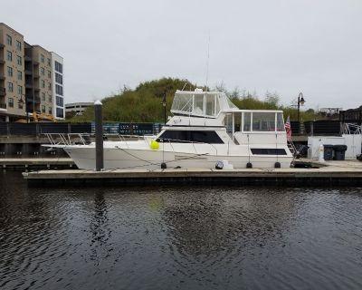 1990 Viking 44 Motor Yacht