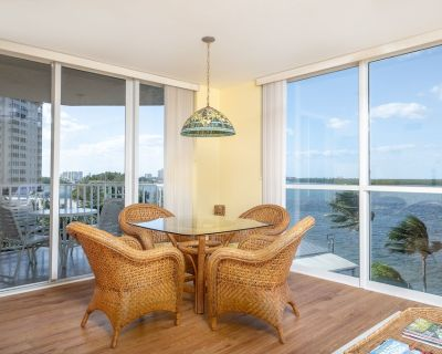 Stunning Condo with amazing views of Estero Bay and the Gulf of Mexico! - Fort Myers Beach