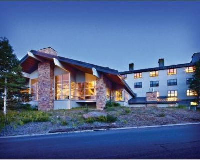 FLASH SALE! All - Seasons Mountainside 1BR w/ WiFi, Resort Pool & Steam Room - Brian Head