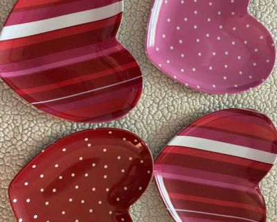 4 melamine heart plates from pottery barn kids GUC great for Valentine s Day or every day!