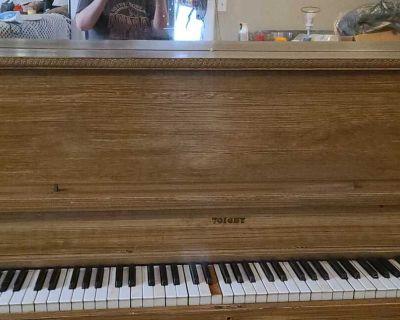 Antique piano!