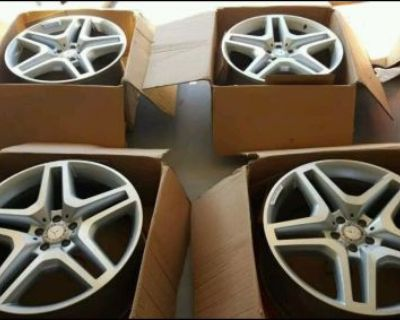 "21"" Mercedes Benz Gl Gl550 Gl63 Amg Oem Wheels Rims Authentic"
