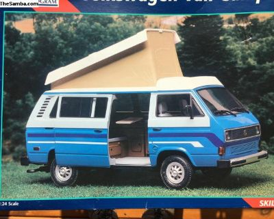 Revell Volkswagon Van Camper Model