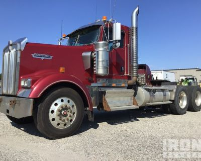 2010 Kenworth W900 6x4 T/A Day Cab Truck Tractor
