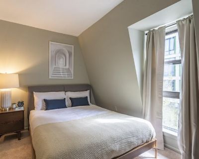 Furnished Queen Room in Logan Circle #359 E