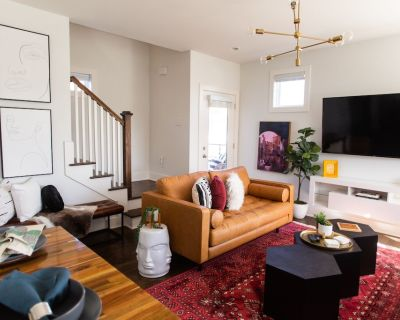 Upscale 4BD 4 BA House Walkable to Coffee, Food, Comedy Club, & More - Historic Waverly