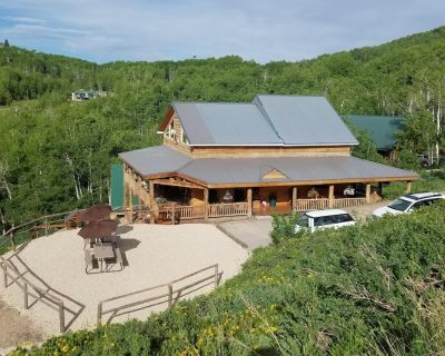 High Mountain Cabin, Spectacular Views, Minutes from Park City + Bunk House - Tollgate Canyon
