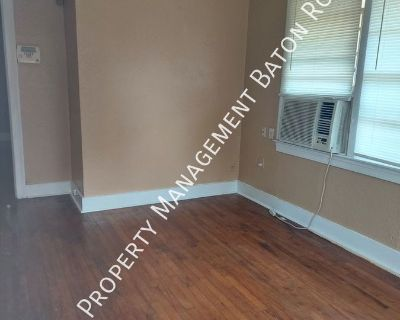 Small Bungalow style home,1150 sq ft, 2 Bed/1 Bath