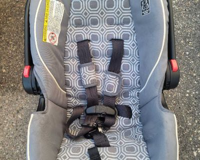 Free car seat with base