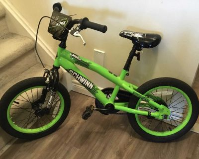 16 Schwinn Scorch Kids Bike