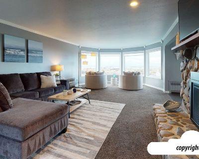 THE YORK SHORE HOUSE in Seaside : Ocean Front House - Seaside