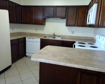 2Bed/1 1/2Bath Ask about our Military and move in specials