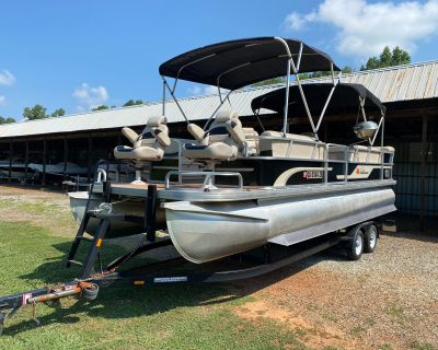 2005 Sun Tracker 24 Party Barge