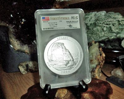 Exceptional and Beautiful 2014-P First Strike PCGS SP 70 ARCHES  NATIONAL PARK 5 oz. SILVER QUARTER