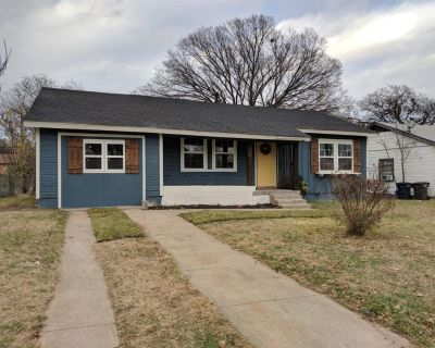 4401 Forbes St, Fort Worth, TX 76105