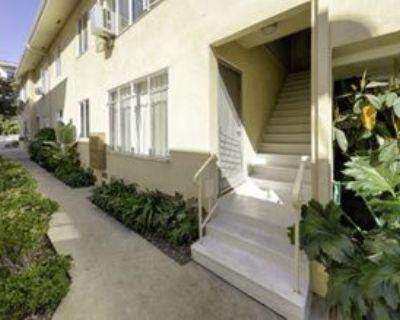 859 S Bedford St, Los Angeles, CA 90035 1 Bedroom Condo